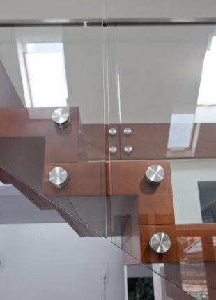 balustrada szklana - mocowanie