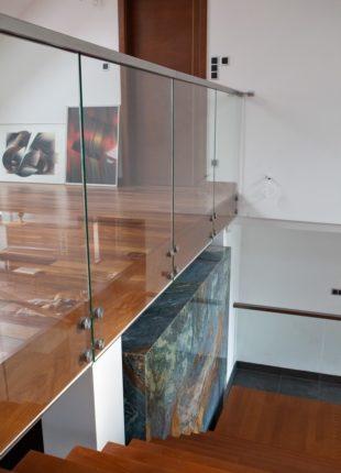 ozdobne szklane balustrady