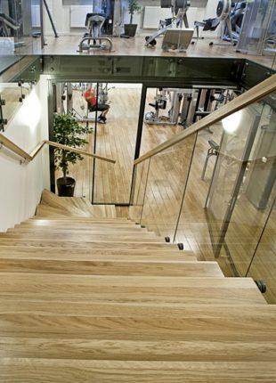 nowoczesne schody drewniane wewnętrzne