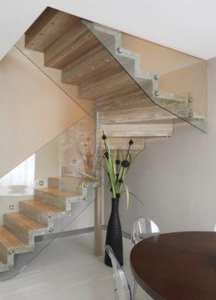 Nowoczesne balustrady szklane wewnętrzne