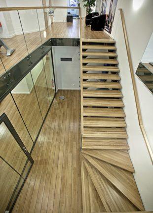 stylowe schody drewniane wewnętrzne